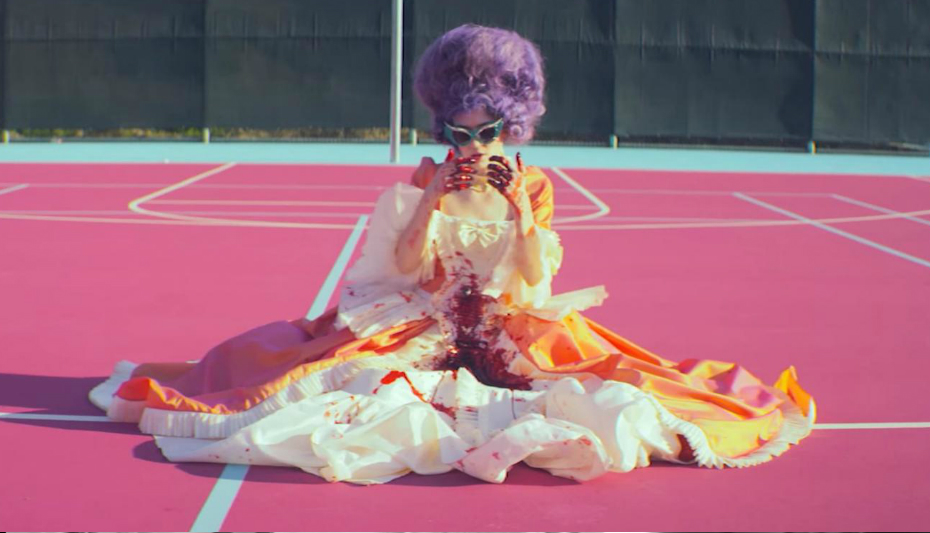 Grimes - 'Flesh without Blood' / 'Life in the Vivid Dream'